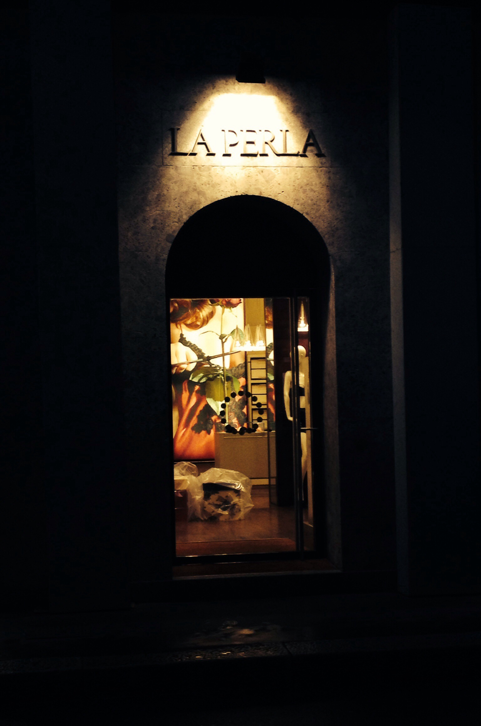Another Stylish Snippet From My Milan Visit: Let there be beautiful underwear, let there be La Perla